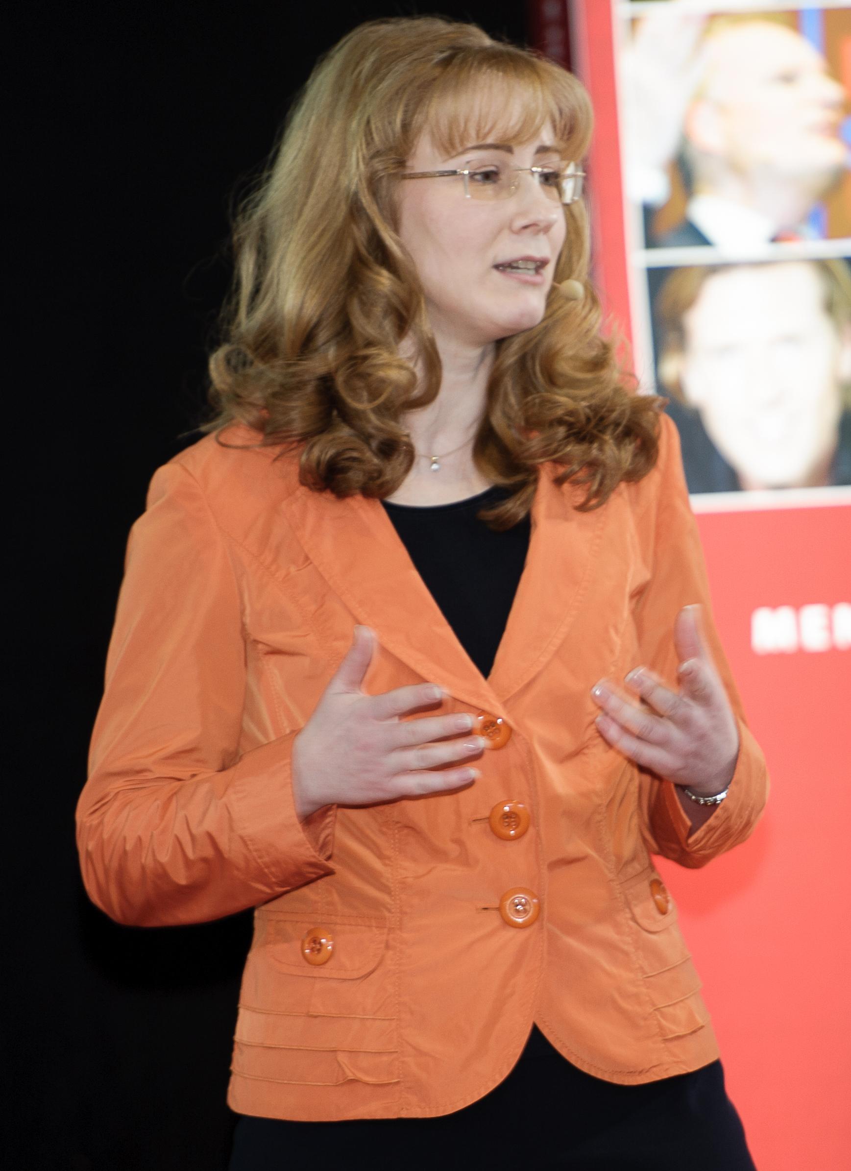 Rednerin-Sabine-Bleumortier