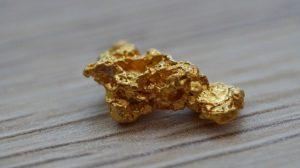 Gold schürfen und Auszubildende finden